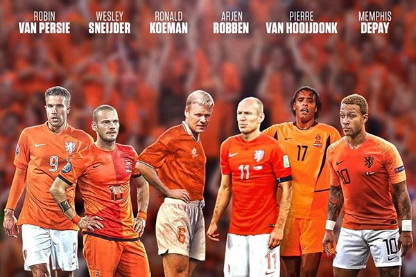 荷兰高手如云,在之前罗本的时候,荷兰更是杀入世界杯决赛,中场的实力不用多说