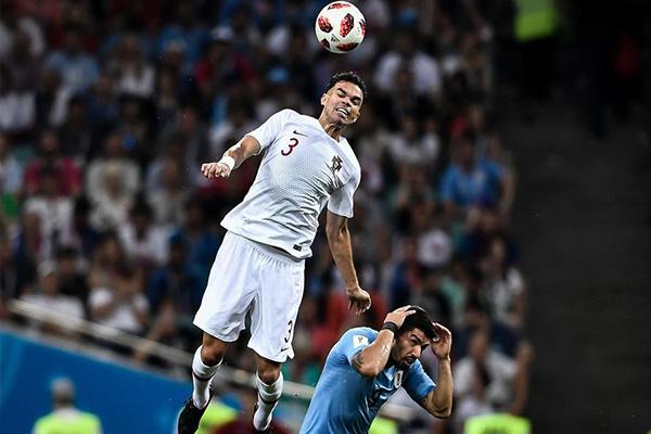 佩佩是葡萄牙的钢铁后卫,在欧洲杯的征途中,佩佩立下了无数功劳,然而37岁的他还能参加2020欧洲杯吗