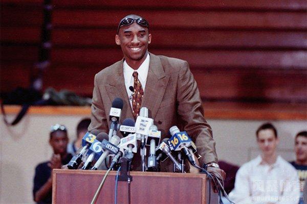 科比参加选秀24周年!24年前科比宣布将天赋带到NBA!