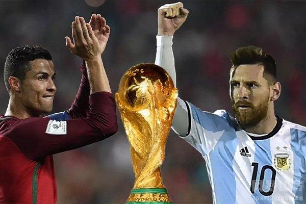 但梅西和C罗一直差了一个世界杯