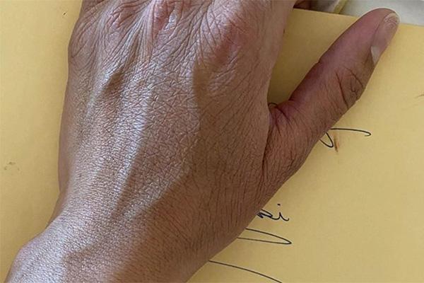 科比生前写的信被瓦妮莎曝光:给我一生的挚爱