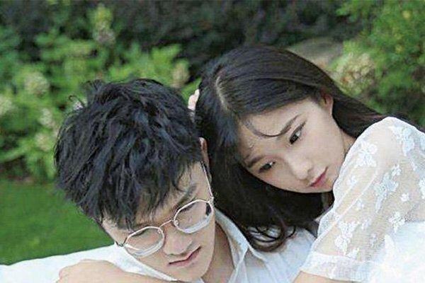 若风与老婆戚蓝尹结婚照