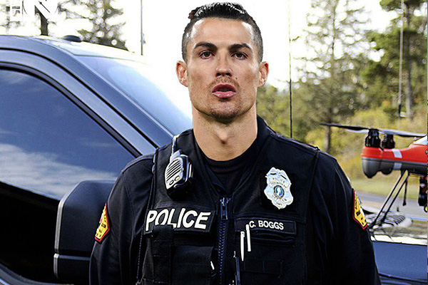 C罗霸气外露,在当上警察更能有着气势