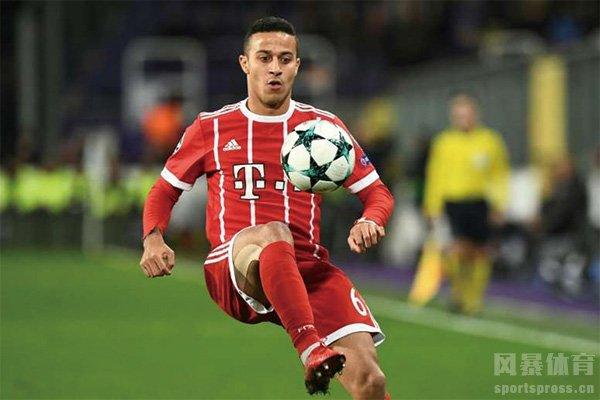 拜仁中场蒂亚戈集锦 蒂亚戈在拜仁进球助攻集锦