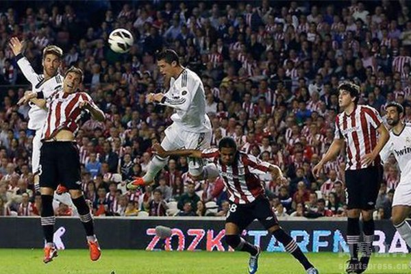C罗弹跳是足球运动员中顶尖的存在