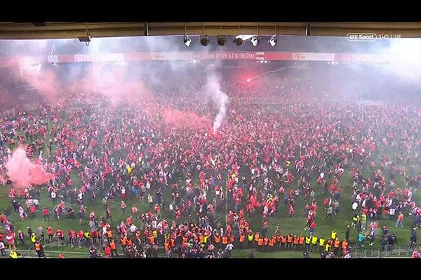 阿森纳的重要时刻!曾经阿森纳主场球迷的疯狂!