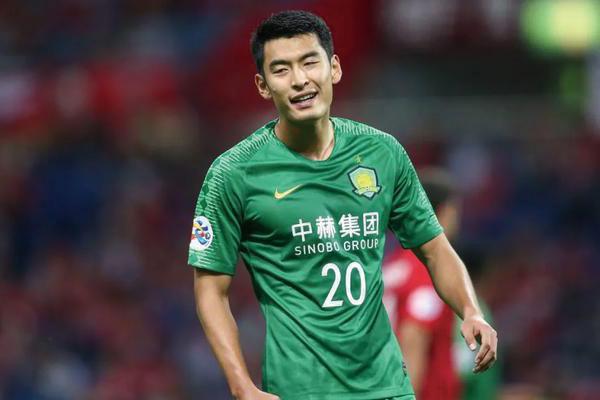 <b>青岛球迷投诉北京国安球员势利眼!王子铭为什么被投诉?</b>