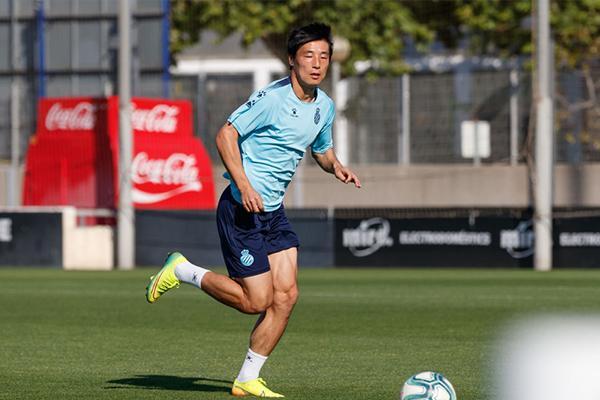 武磊现在仍然是中国球迷的希望,期待武磊能创造奇迹
