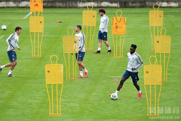德甲球队恢复正常训练