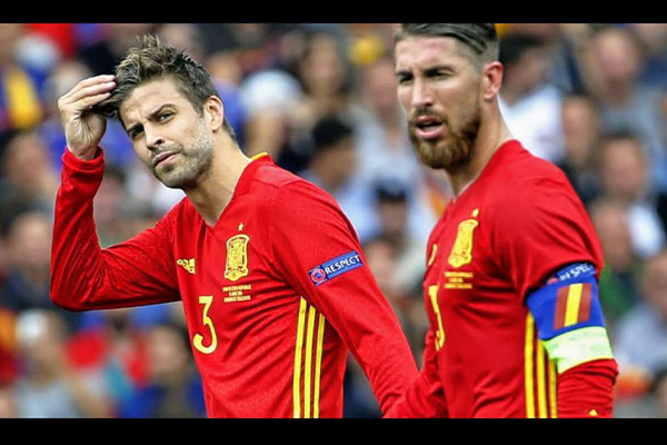 <b>拉莫斯和皮克的精彩表现!盘点西班牙的两个世界级后卫!</b>