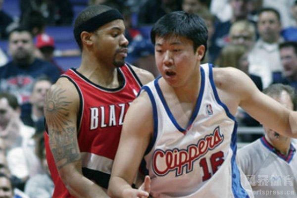 王治郅NBA集锦 亚洲NBA第一人王治郅NBA视频