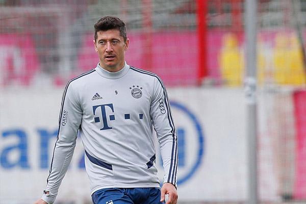 拜仁的头号球星莱万十分强大,本赛季十分有可能获得金球奖