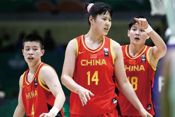 中国女篮中锋李月汝
