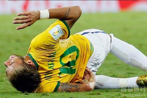 内马尔最重的伤还是在2014世界杯上的伤