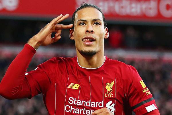 范戴克是利物浦最坚固的防线,无疑范戴克的防御让英超联赛更加多了几分色彩