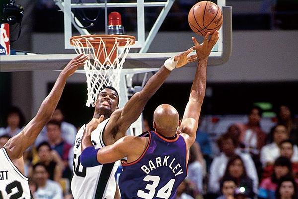 大卫罗宾逊季后赛单场40分21篮板 大卫罗宾逊40分21篮板视频