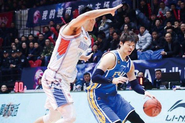 王哲林集锦 36分18篮板打爆哈达迪