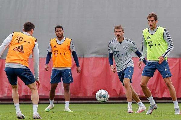 拜仁本赛季火力十足,队内阵容配合完美