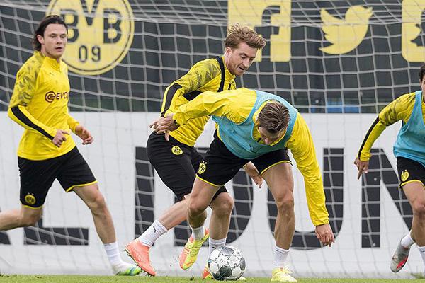 在与拜仁的比赛虽然输了,甚至球队射手哈兰德受伤,但仍然全力争冠