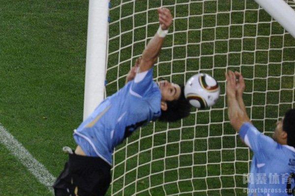 苏亚雷斯是乌拉圭的英雄
