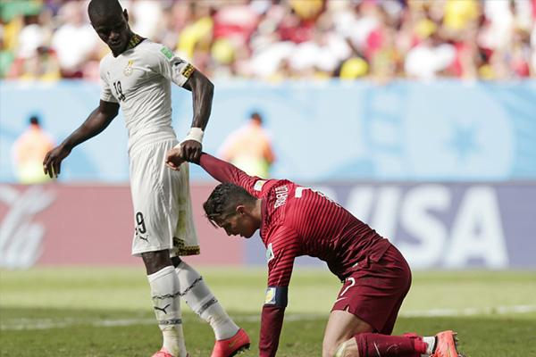 C罗在2014世界杯已经十分尽力,但是浪花淘尽英雄