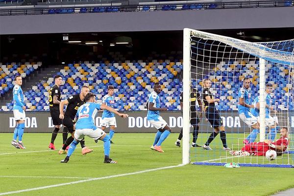期待本赛季那不勒斯与尤文图斯的意杯总决赛