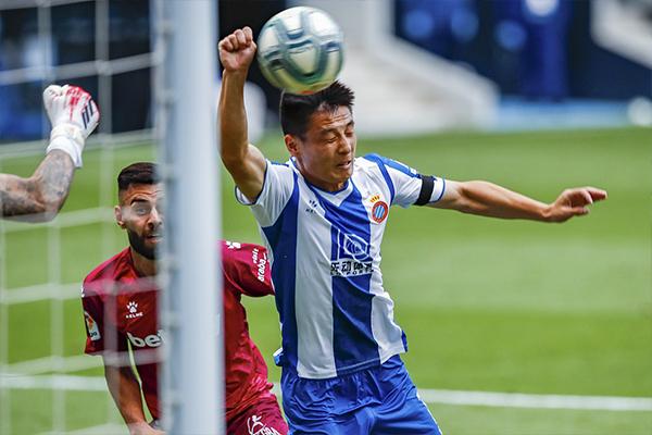 西班牙人2比0击败阿拉维斯 武磊单刀直入