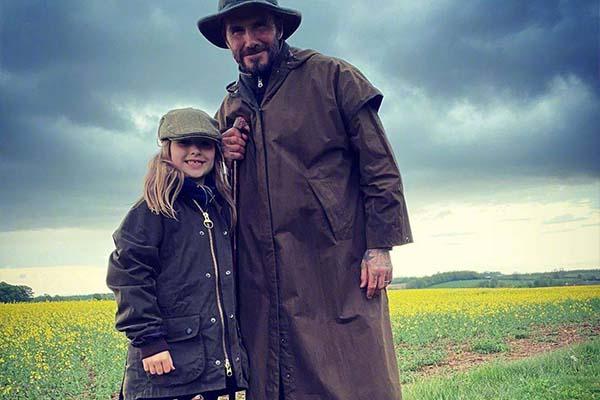 目前贝克汉姆和一家人在田园里体验生活,不得不说实在潇洒