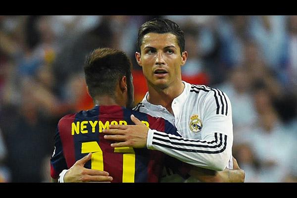 C罗和内马尔也是惺惺相惜!盘点两大巨星的交锋时刻!