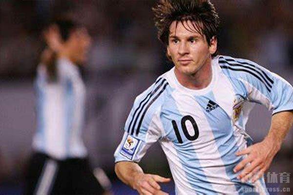 梅西也是阿根廷队的悲情英雄
