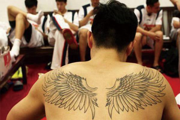 王仕鹏纹身图片 王仕鹏纹身图案
