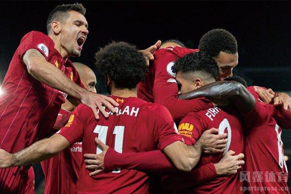 利物浦队员庆祝夺冠