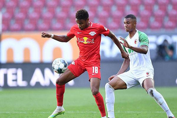 莱比锡红牛2比1击败奥格斯堡 莱比锡稳固德甲欧冠区