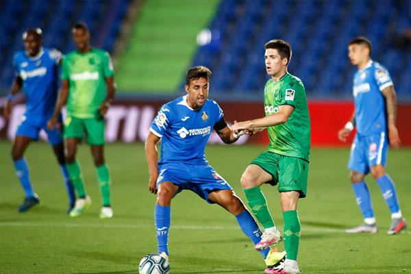 西甲联赛第32轮,赫塔费2比1击败皇家社会