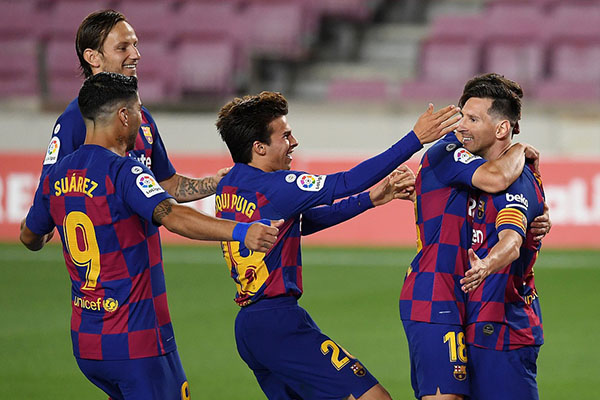 巴萨2比2战平马竞 梅西打入第700粒进球
