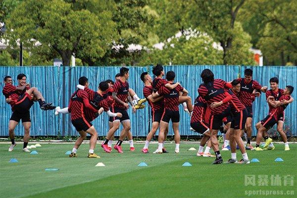 中超球队已经开始恢复训练