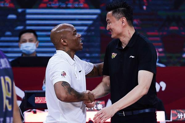 马布里杜峰握手和好!谁还记得马布里杜峰握手门事件?