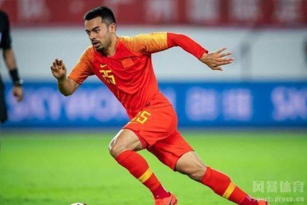 虽然小组赛一战未胜,但这也是中国足球崭新的一篇
