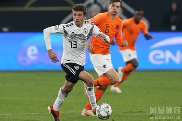 穆勒在德国队已经打不出精彩的表现了