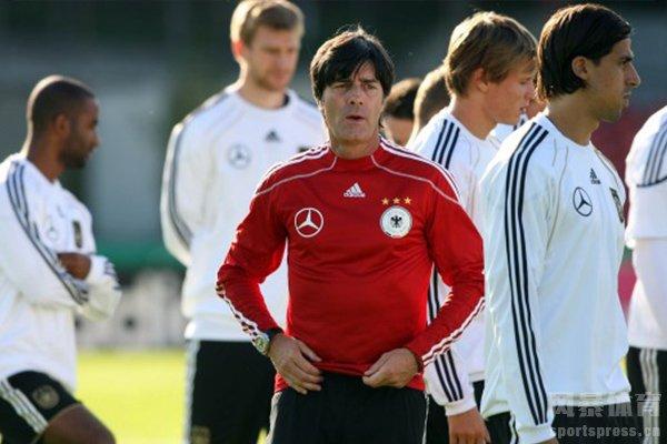 劲夫是德国队的主教练