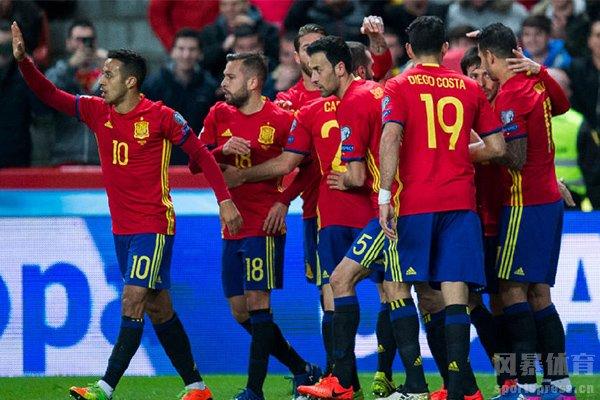 不得不说道西班牙队的中场十分强大