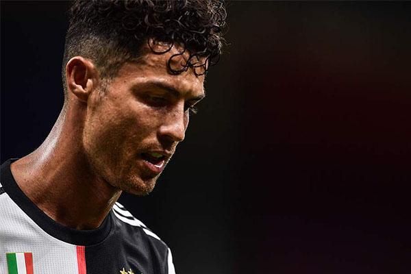 意甲联赛第31轮,AC米兰4比2击败尤文