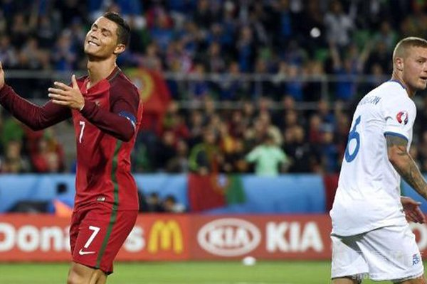 C罗带队更是在2016欧洲杯击败法国队