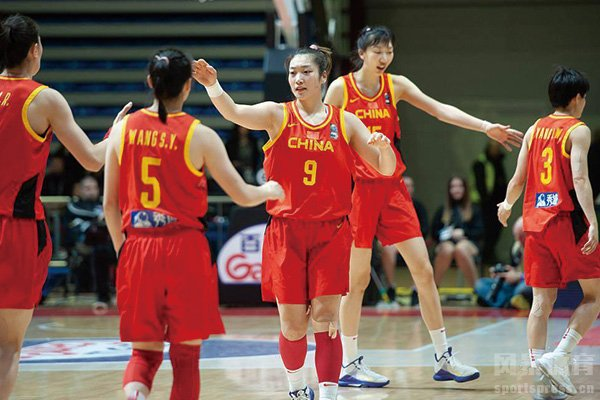 比赛中的中国女篮队员