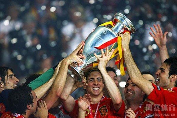 2008欧洲杯西班牙队获得冠军