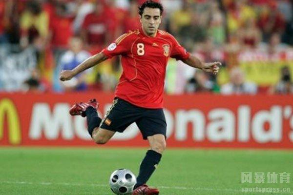 当时的西班牙队就有很多世界级中场