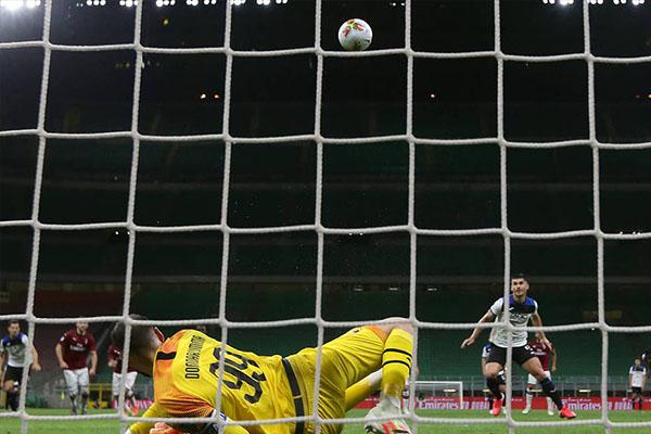 意甲联赛第36轮,AC米兰主场1比1战平亚特兰大