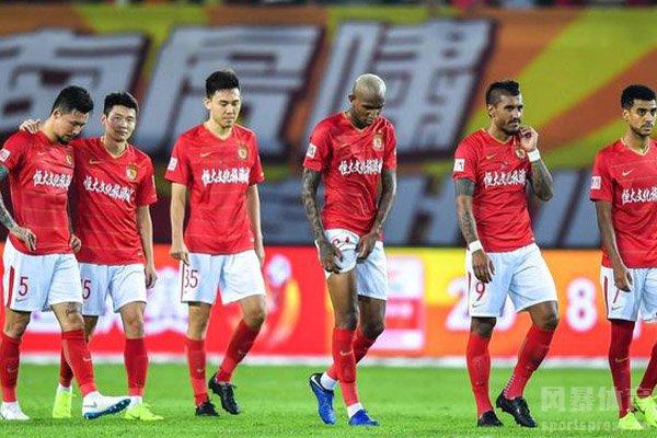 在刚刚结束的赛季,广州恒大也获得中超冠军