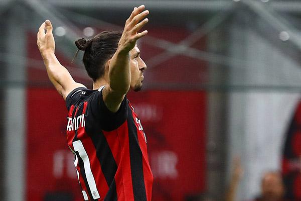 AC米兰3比0击败卡利亚里 联赛重启连续十二场不败收官