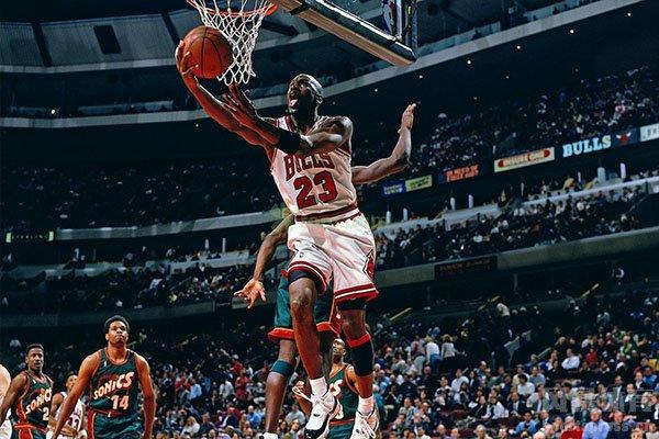 乔丹是当之无愧的篮球之神